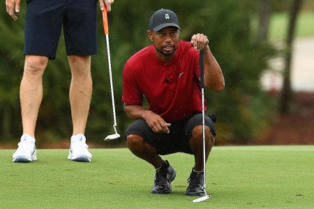 Tiger Woods and Peyton Manning oust Phil Mickelson and Tom Brady