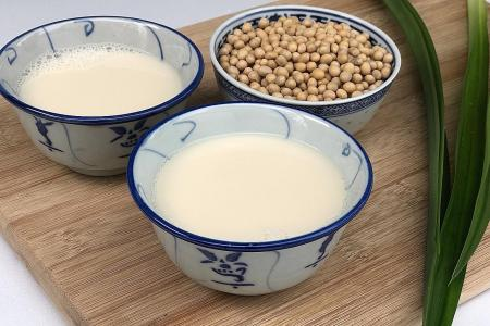 Make your own soya milk that tastes better than store-bought ones