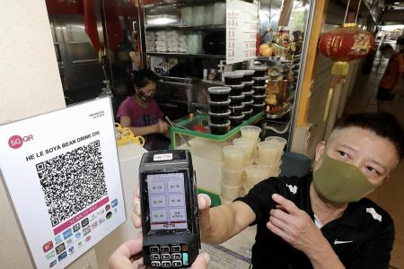 More hawkers seek to go cashless