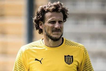 Barcelona not handicapped by rule on substitutes: Diego Forlan