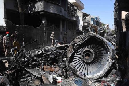 Pilots in Pakistan plane crash distracted by coronavirus concerns