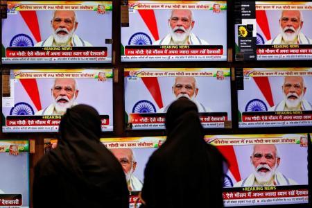 Coronavirus: Indian PM warns against flouting curbs