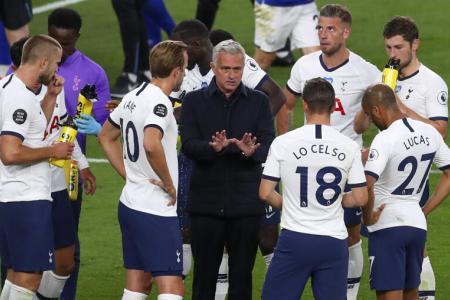 Tottenham Hotspur drinks break.