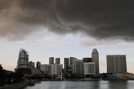 Singapore slips into first technical recession in 11 years