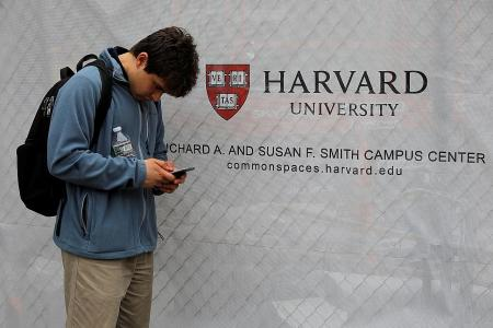 US drops plan to force thousands of foreign students out