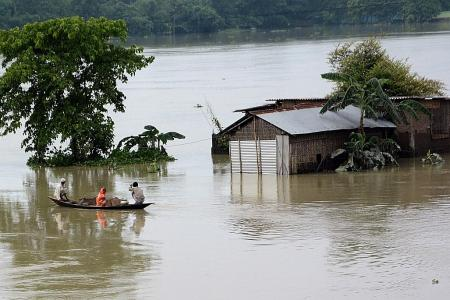At least 189 dead as floods displace millions in India, Nepal