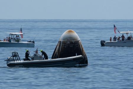 Astronauts splash down safely near Florida