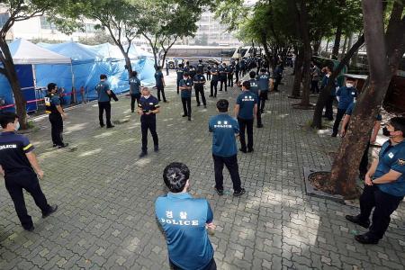 S. Korea warns of nationwide coronavirus risk as outbreaks spread