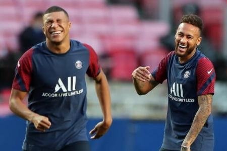 PSG can exploits Bayern's high defensive line: Rooney