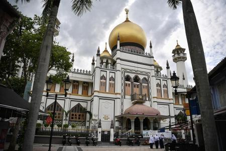 Sultan Mosque to be cleaned after visitor tests positive