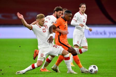 Bergwijn scores winner as Holland begin life after Koeman