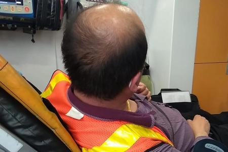 Commuter without mask abuses and assaults bus driver