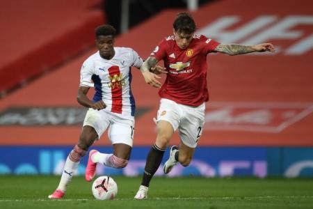 Zaha double helps Palace defeat Man United 3-1
