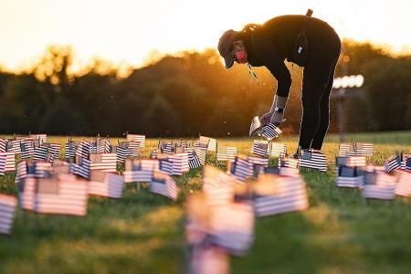 US passes grim milestone of 200,000 Covid-19 deaths