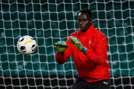 Chelsea sign Rennes goalkeeper Edouard Mendy on five-year deal