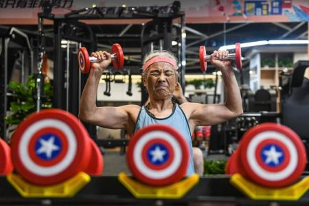 'Hardcore grandma': Ageing fitness buff proves hit in China
