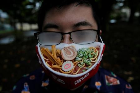 Artist creates ramen face mask to match fogged glasses