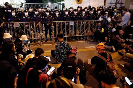 Thai protesters ask Germany to probe king's activities there