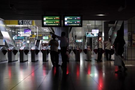 SMRT worker, supervisor suspended over Oct 14 disruption