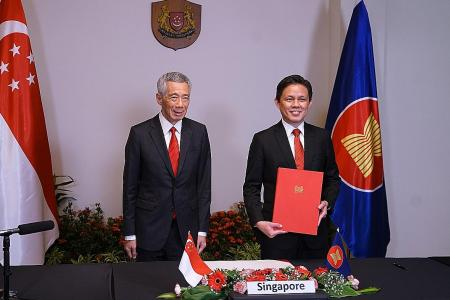 Singapore among 15 nations to sign world's largest trade pact