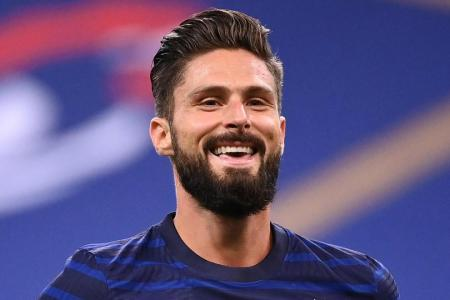 Frank Lampard hopes 'important' Olivier Giroud will remain at Chelsea