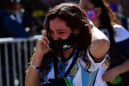 Thousands say their last goodbye to Diego Maradona