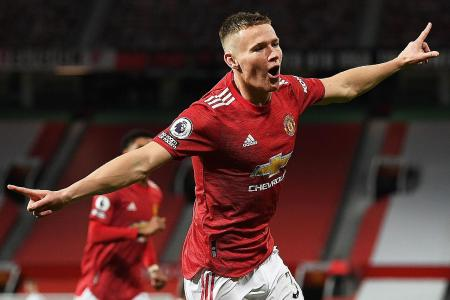 Hot and cold Manchester United face festive test: Richard Buxton