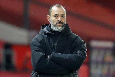 Nuno Espirito Santo annoyed after blowing two-goal lead