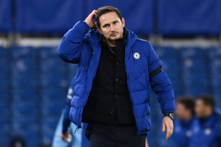 Under-pressure Lampard doesn't fear Chelsea revolt