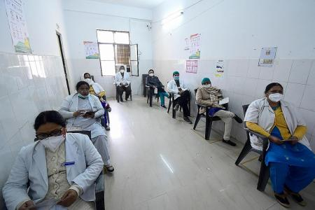 Covid-19: India vaccinates more than 190,000 people on first day
