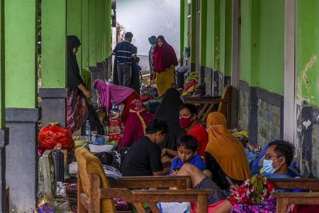 Indonesia quake: At least 73 dead, desperate hunt on for survivors