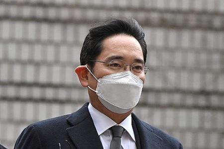 Samsung chief jailed for two and a half years for bribery scandal