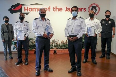 Security officers get awards for saving colleague's life