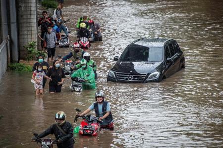 Jakarta floods kill five people, submerge neighbourhoods