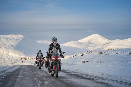 Italian duo brave the arctic cold on Ducatis