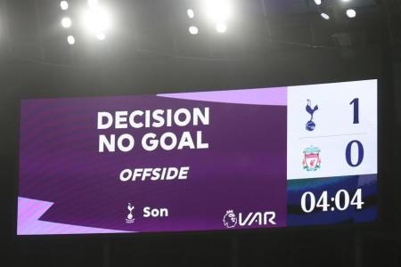 Van Basten calls for offside rule to be scrapped