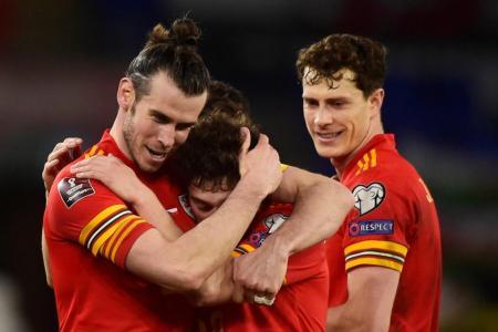 Bale praises caretaker boss Page after 'massive win' over Czechs