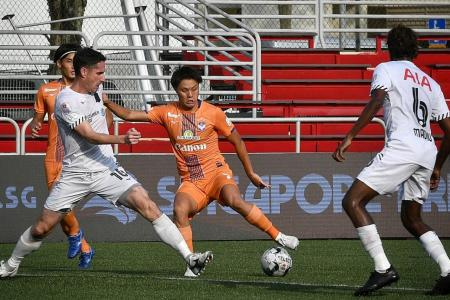Resolute Albirex defeat Tampines 2-1 to go back top of SPL