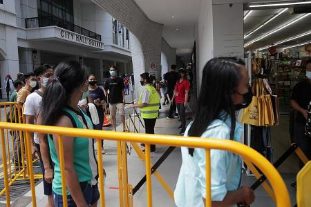 Thinner crowds at Lucky Plaza and Peninsula Plaza
