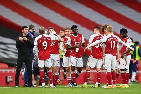 Arteta urges Gunners to ignore takeover talk