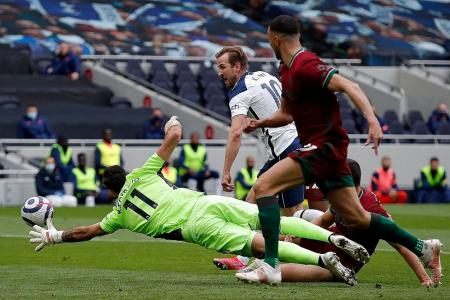 Spurs boost European hopes by taming Wolves