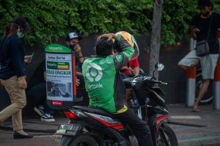 Gojek and Tokopedia merging to create Indonesia tech giant