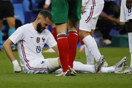 Benzema taken off due to 'dead leg': Deschamps