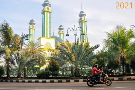 Indonesia extends curbs as infections continue to soar
