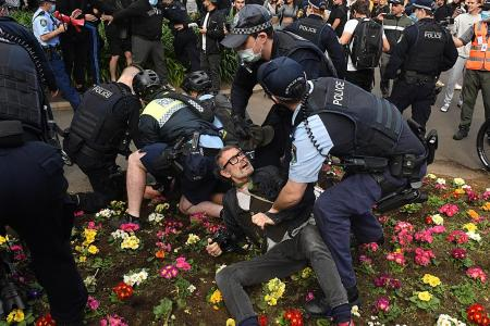 Fears of virus surge in New South Wales after anti-lockdown rally