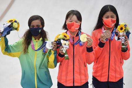 Young teens dominate women's street event