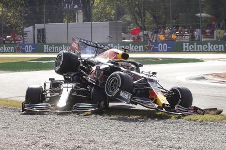 Verstappen and Hamilton crash again, blame each other