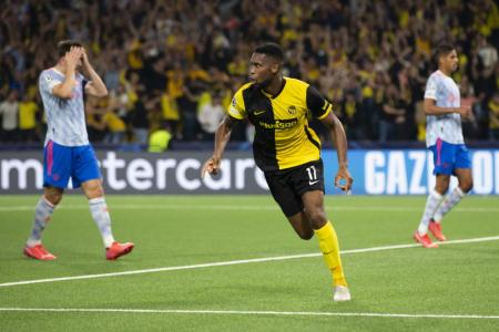 Young Boys strike late to stun 10-man Manchester United