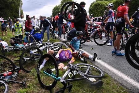 Spectator who caused Tour de France crash set to avoid jail