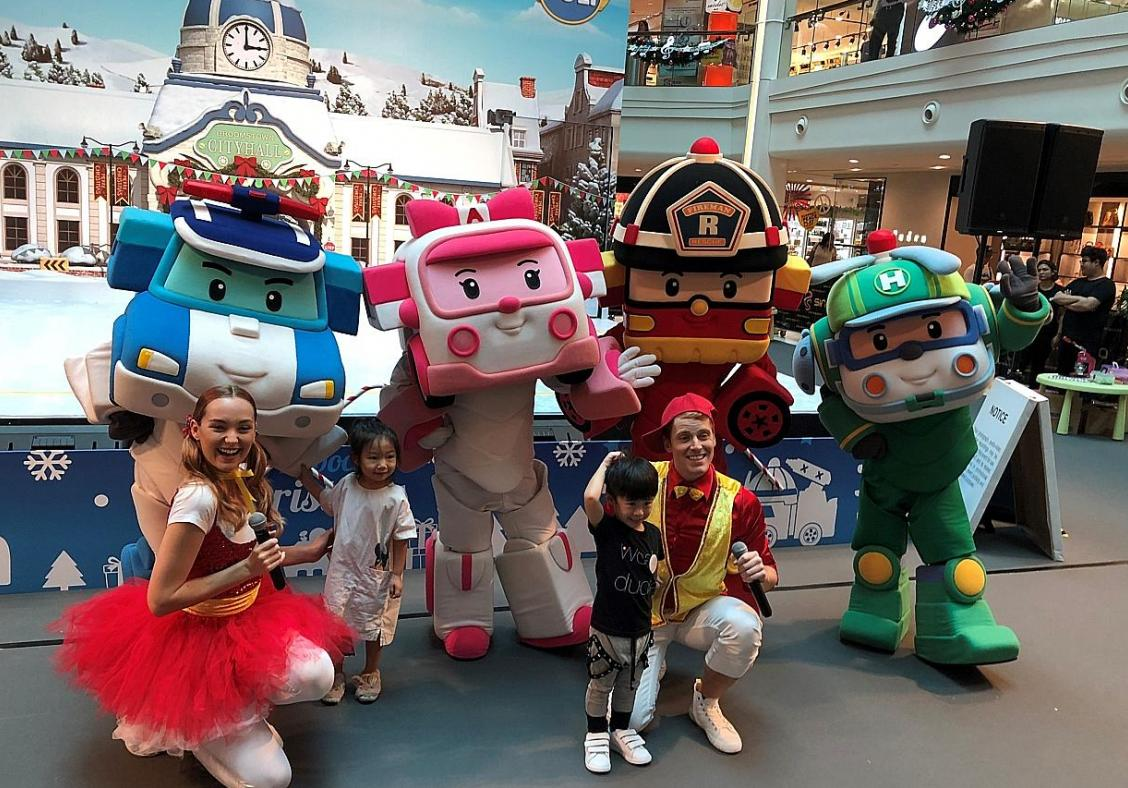 Fashion meets song-and-dance at Raffles City SpongeBob events